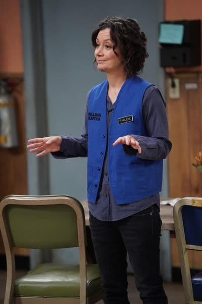 Darlene's New Role - The Conners Season 3 Episode 9