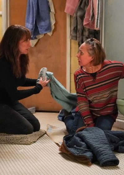 Louise Helps Jackie - The Conners Season 3 Episode 9