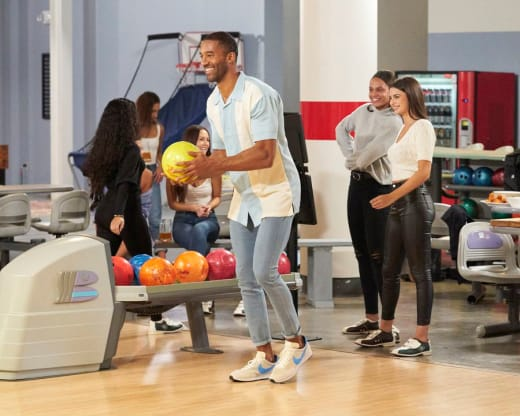 A Bowling Date - The Bachelor