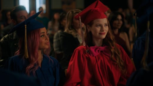 Cap & Gown - Riverdale Season 5 Episode 3