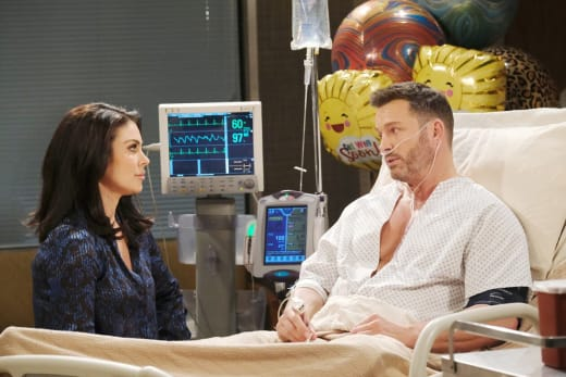 Chloe Offers to Help - Days of Our Lives