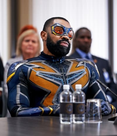Clearing Their Names - Black Lightning Season 3 Episode 16