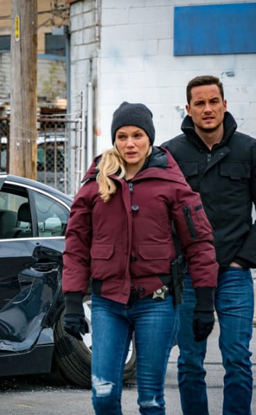 Coupled Up - Chicago PD Season 8 Episode 5