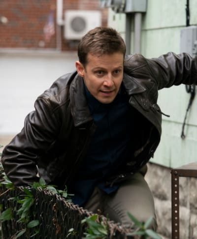 Hot on His Heels/Tall - Blue Bloods Season 11 Episode 7