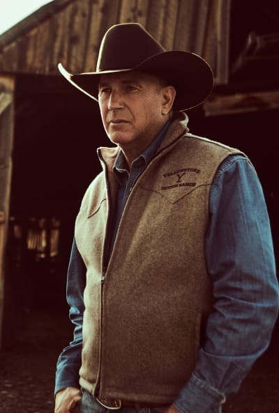 John Dutton Poses for the Camera - Yellowstone Season 2 Episode 4