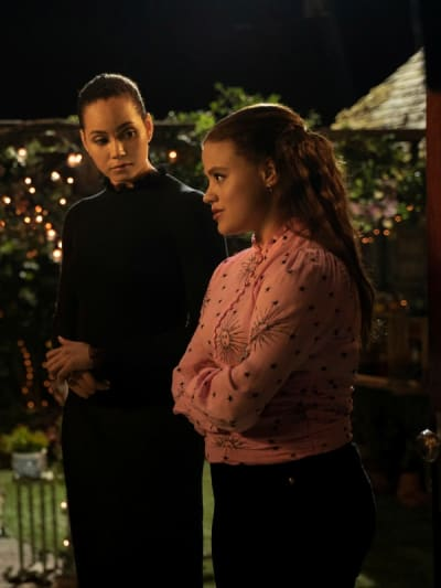 Maggie and Macy - Charmed (2018) Season 3 Episode 3 - Charmed (2018)