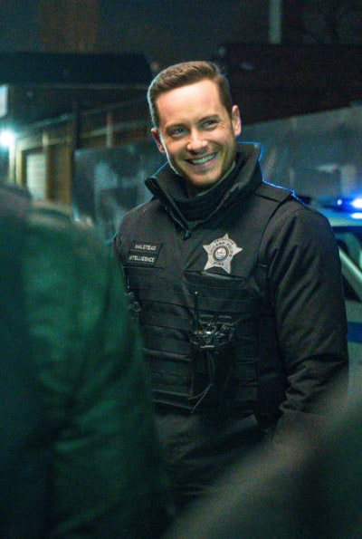 Smiling Is Good for the Soul - Chicago PD Season 8 Episode 6